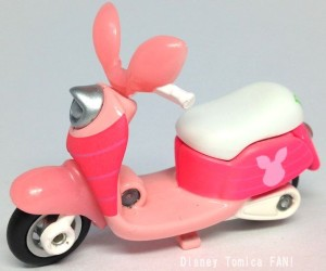 ピグレットチムチムディズニーモーターストミカバイクスクーター画像1