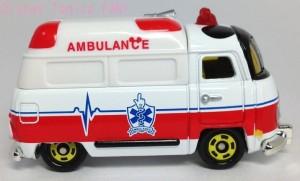 ディズニートミカ救急車画像6